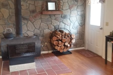 Cozy Cabin near the AuSable River/4 kayaks incl.