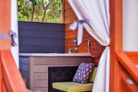 Arbor Escape: Pvt. suite*outdoor tub*pet friendly