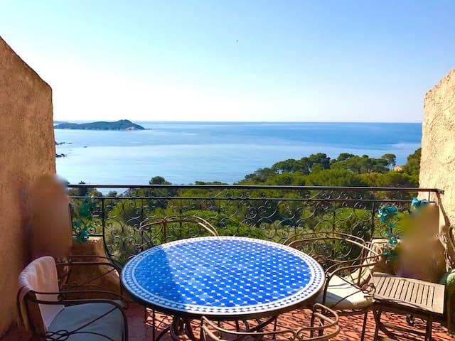 Bel appartement avec vue imprenable sur les îles - Hyères - Lägenhet