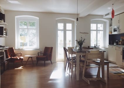 Spacious & Sunny Apartment in the Heart of Berlin - Berlin - Apartment