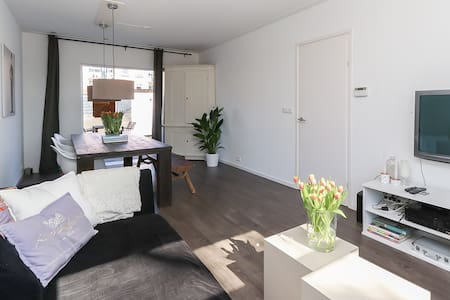 Renovated House with garden 20 min from Amsterdam - Bussum - 独立屋
