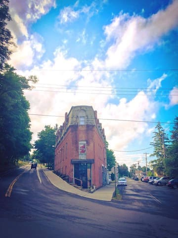 The Historic Flat Iron Building - Watkins Glen - Lejlighed