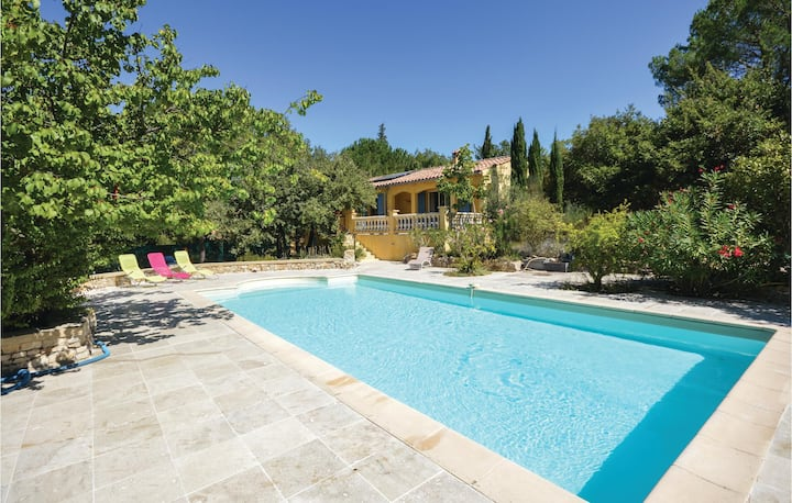 Beautiful home in St Anastasie s. Issole with Outdoor swimming pool and 3 Bedrooms