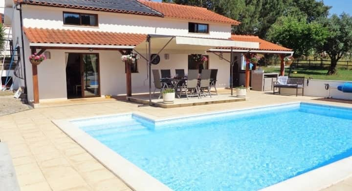 The Lodge at Brunels with heated swimming pool