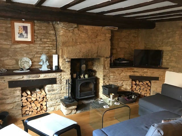 Double bedroom in 200 yrs. old cottage!