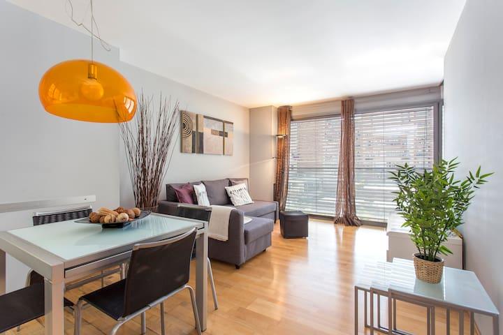 Stylish flat, 1 bed near La Sagrada Familia