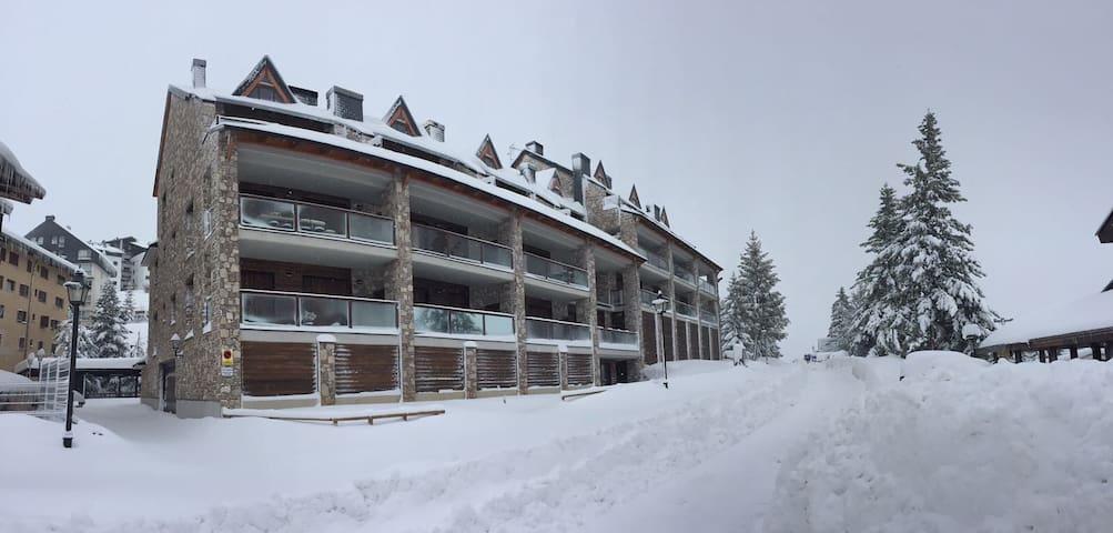 Espectacular Ático Duplex Formigal - Formigal - Apartamento