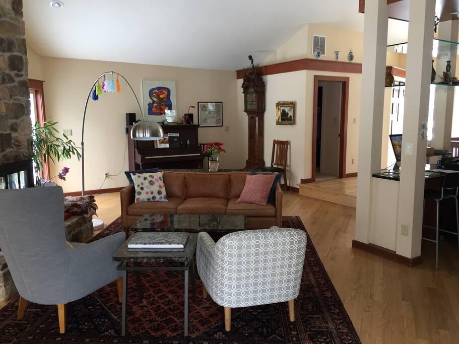 Living Area, Upper Floor