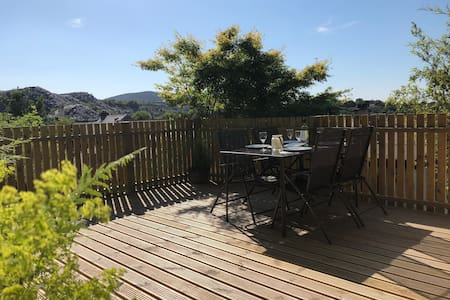 Snowdonia cottage, walking distance to Zip World