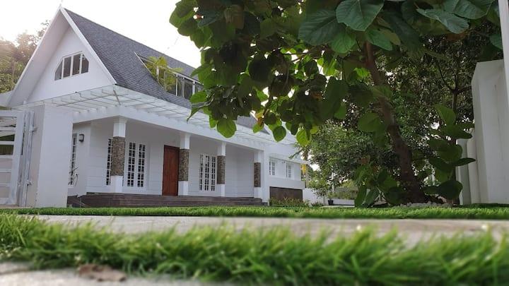 Neelambari:- cochin villa, explore Kerala style..