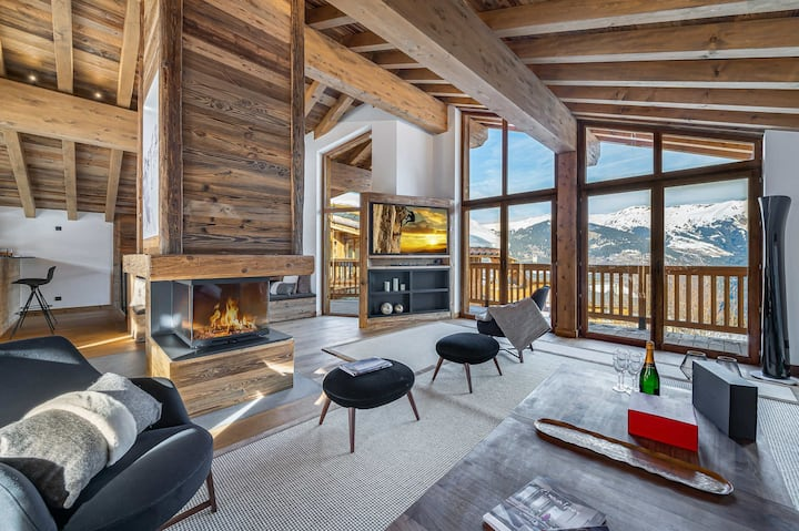 New chalet with swimming pool in Courchevel Village