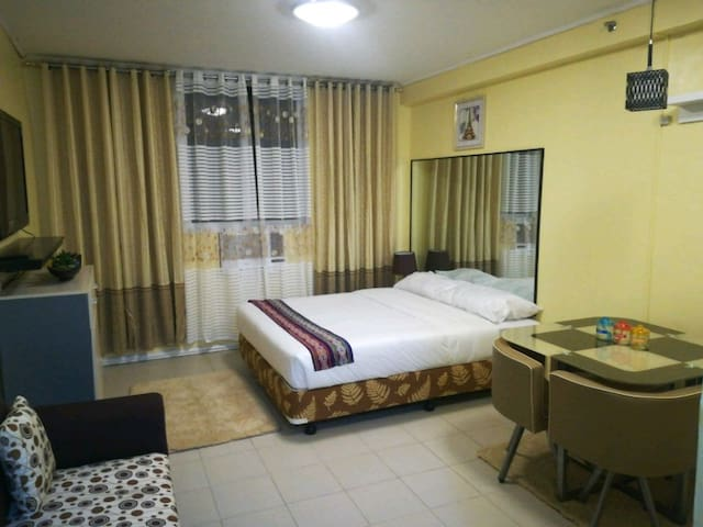 Clean & Relaxing Condo in Mactan Unlinet, Cable