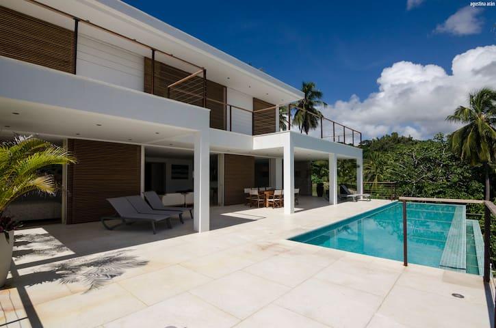 Piso 0 - Terraço das salas e piscina Piso 1 - Terraço dos quartos