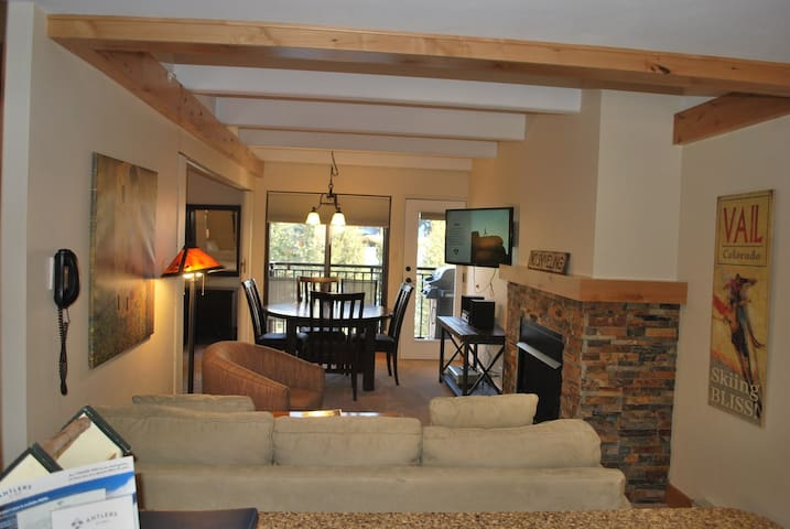 Sit back and relax in our cozy Studio unit in Vail! (Photos are representative).