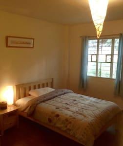 Single room w/a semi-double bed-(2) - Altro