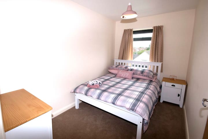 Pretty Properties - Eastbourne House