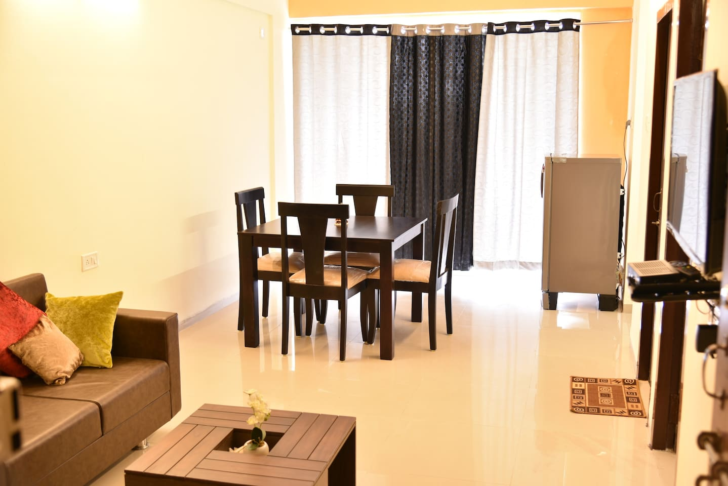 Beautiful modern apartment, well spacious with AC bedroom & fully equipped kitchen