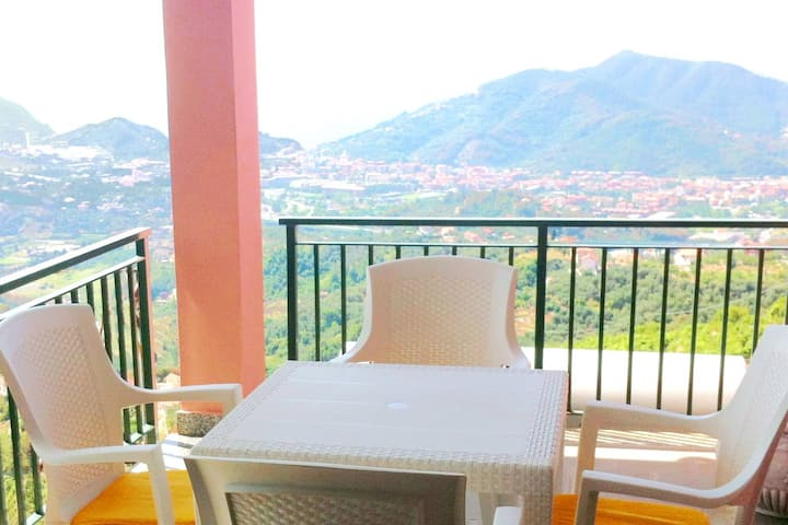 Sestri Levante - Villa Mari - splendida vista - pt