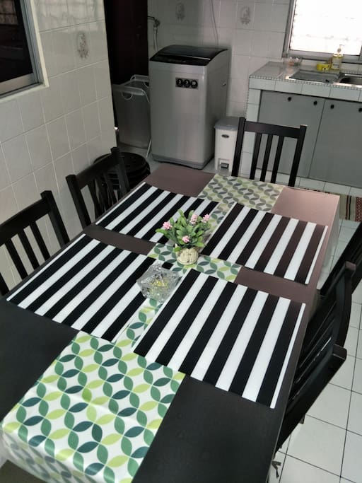 2nd dining table in the kitchen