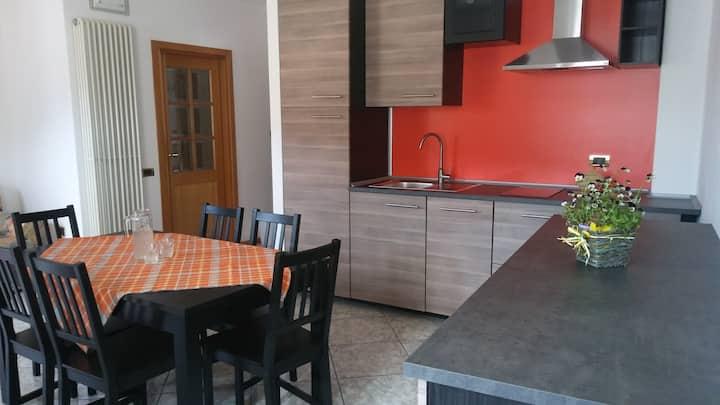 In centro a Molveno (CIPAT 022120-AT-057606)