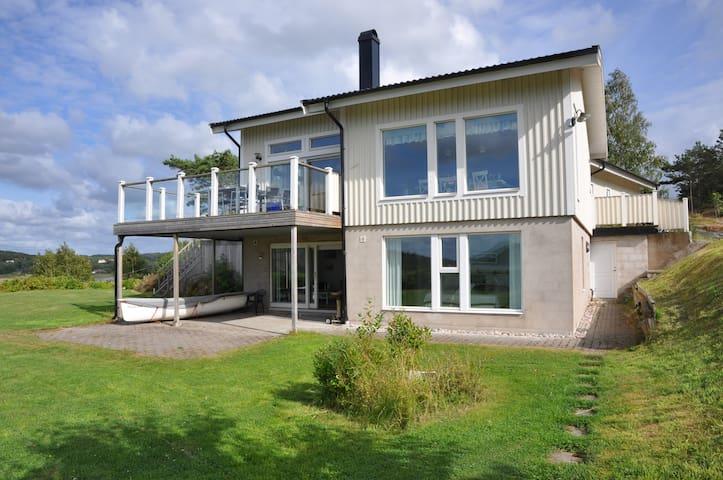 Hus med havsutsikt - Kungälv C - Huis