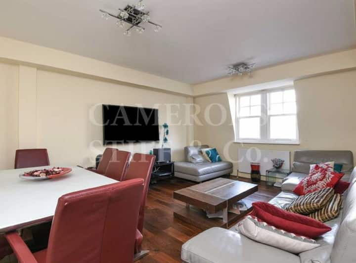 Modern 2BDR Apartment with a Pool & Gym in Kilburn