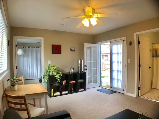 North Portland Guest Suite, Cozy & Clean