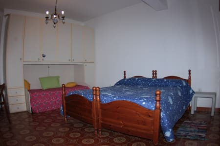 stanza in appartamento  con servizio b&b - Alghero