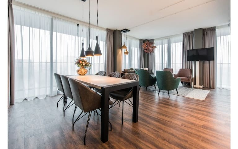 Large 2 Bedroom Apartment in trendy NDSM
