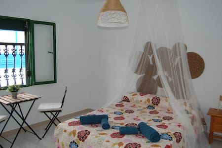 Casa Salinas Playa Dormitorio Playa de atrás - Orzola - บ้าน
