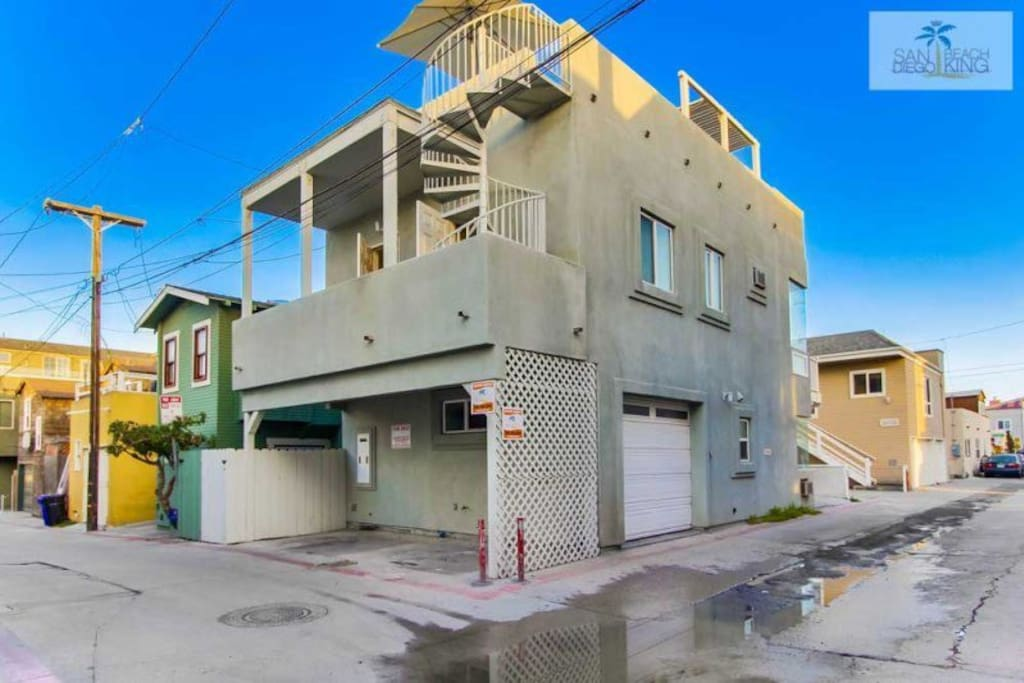 Surf Stars Penthouse 2nd Floor & Spiral Staircase leading to Rooftop Deck