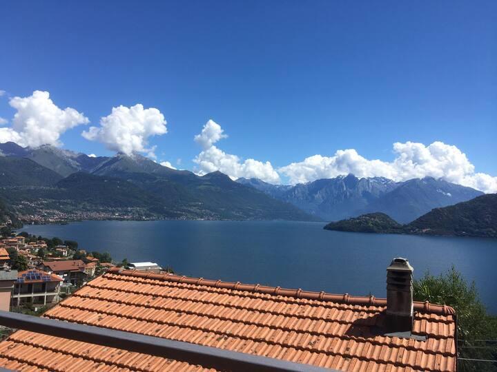 Il balcone di Laura sul lago