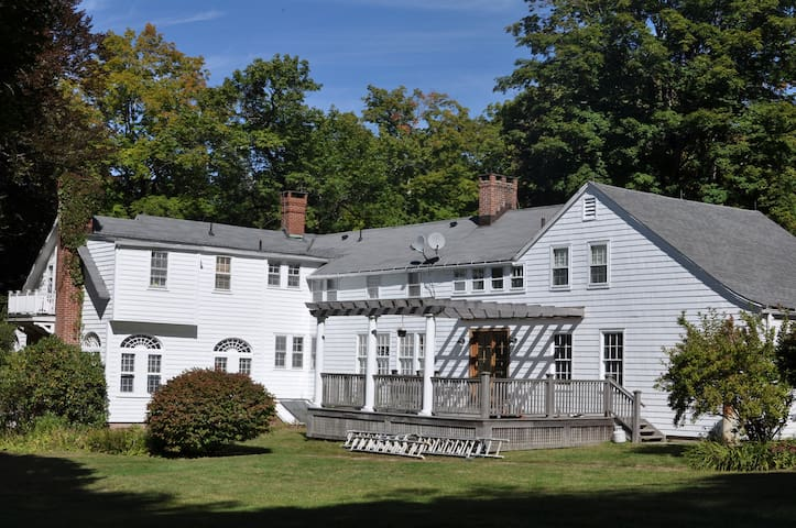 Lovely home in Berkshires - Norfolk