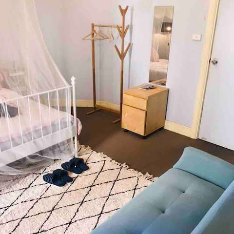 Nice and large room in darling Harbour area