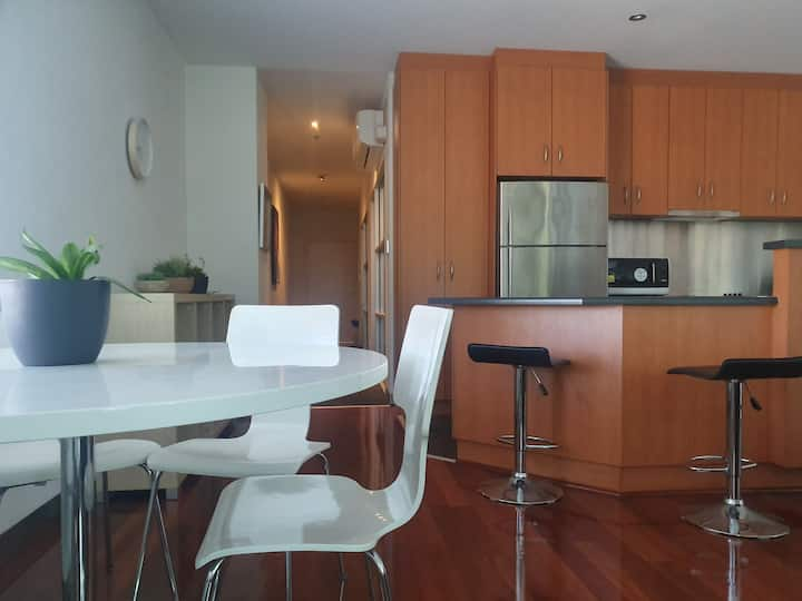 Homely modern apartment in Parkside, near CBD