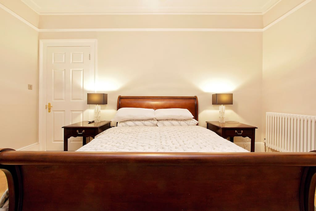 Sleigh Bed (... and So To Bed)