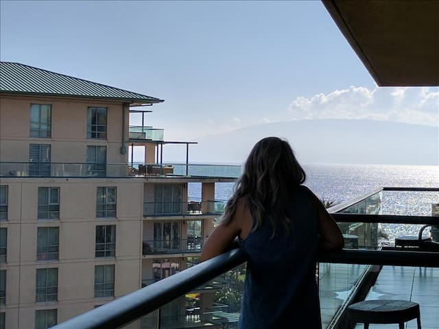 Maui Westside Properties: Konea 606 - Majestic Partial Ocean and Mountain Views from this 2 Bed/1 Ba - Lahaina - Apartment