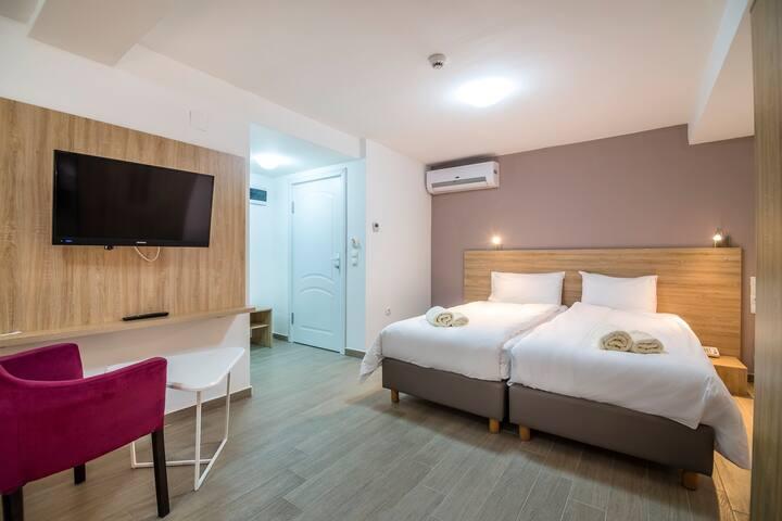Ohrid Lake Tripple Room with Pool Access