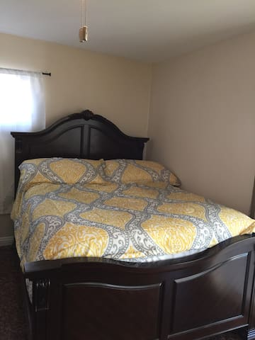 MASTER 1 BED/1BATH WITH OWN ENTRY!! - South Gate - Hus