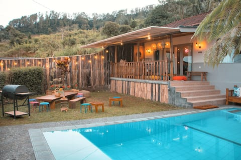 Villa Jeje - A private little fantasy in PUNCAK