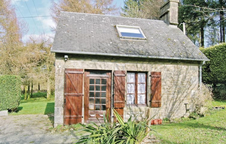 Holiday cottage with 1 bedroom on 53 m² in Champ du Boult