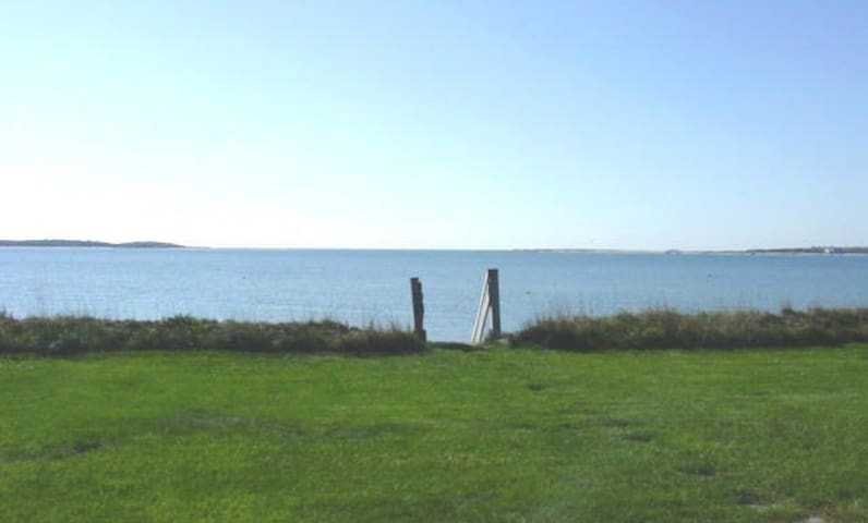 Oceanfront House + Private Beach - Yarmouth - House