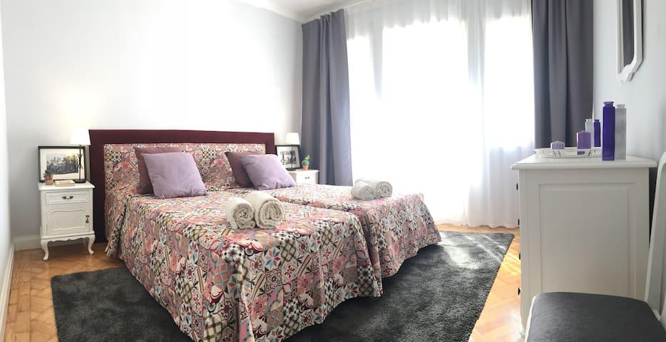 Oporto Beach House - Twin Room w/ Private Balcony