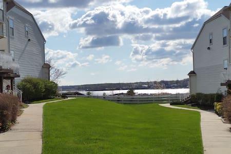 Sunny Suite Views Ocean Bay - Sorház