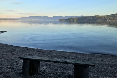 Lake Pend Oreille Private Beach/Camp Site