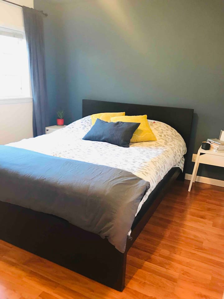 Comfy cottage centrally located to Oakland and SF