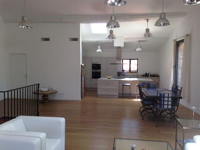 Apt Type loft 150 m2 Terrasse à 10mns de Collioure - Laroque-des-Albères - Apartment