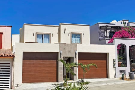 Casa del Mar, Sunset Beach, large house for groups