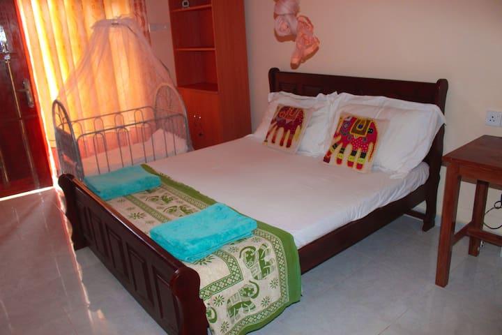 Suwani Pinnawala Home stay