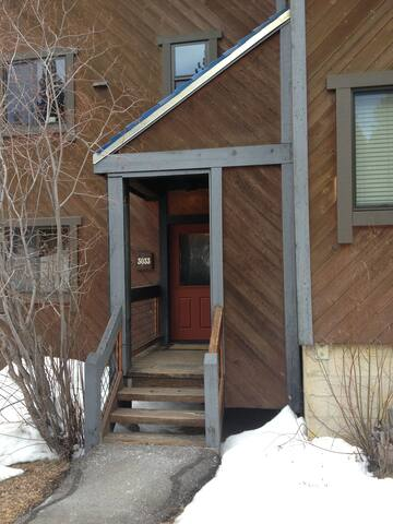 Our condo is conveniently located steps away from a Northstar shuttle stop.